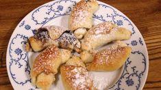 Sádlo bylo a je na Moravě po generace vždy zcela přirozenou součástí kuchyně a s oblibou se používá i při přípravě sladkých jídel. Bagel, French Toast, Bread, Cooking, Breakfast, Food, Kitchen, Morning Coffee, Brot