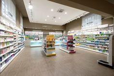 Farmacia Oberto&LoRe Piazza Armerina Enna MOBIL M #interiordesign Antonio Burgo progetto farmacia