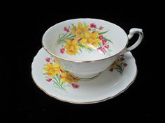Roslyn Fine Bone China Made in England Pretty by Cupsofthepast