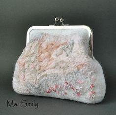 "Сумочка свадебная валяная бело-розовая ""Рассвет"" - шерсть. Handmade."