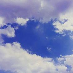 娘を迎えに行った小学校で。 白く輝く雲の中の 青空❗ #sky #school  #fun  #bluesky  #daughter #walking
