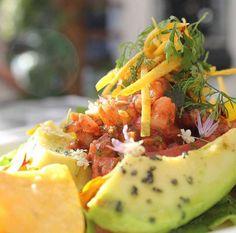 Los esperamos hoy en @suterceracasa , el sitio perfecto para ir con familia y amigos !! www.daniel.com.co — en Restaurante Daniel.
