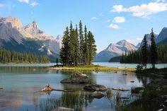 Spirit Island at Maligne Lake in Jasper National Park, Alberta, Canada photo by Larry He via Flickr
