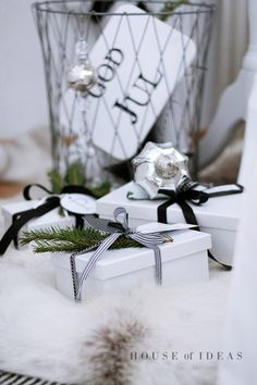 Black & White Christmas gift wrap