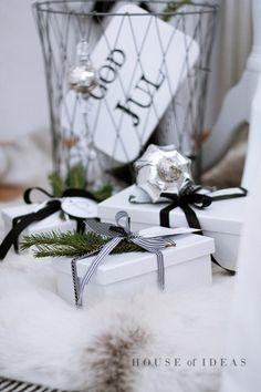 Black & White Christmas gift wrap