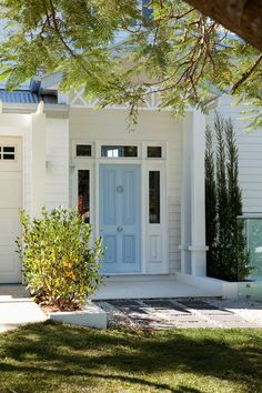 House of Turquoise: Verandah House I door color, flag stones, gravel The Hamptons, House, Front Door Colors, Painted Doors, House Exterior, Front Door, Beautiful Doors, House And Home Magazine, Doors