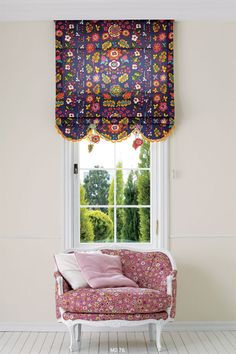 I like the deep scallops, yet it's tailored. Add lace to the bottom. Hanging Curtains, Curtains With Blinds, Valance Curtains, Bow Window Treatments, Window Coverings, Custom Curtains, Window Styles, Of Wallpaper, Interior Design Inspiration