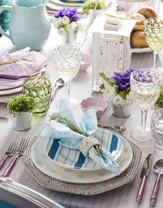 table setting with light colours and mixed patterns