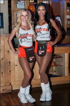 Tempa, AZ Hooters Girls