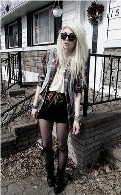 Grunge Goth Dark Fashion #NitroFash
