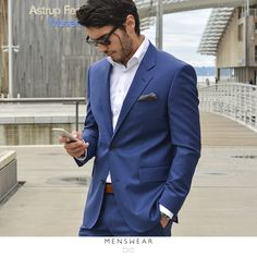 Lys blå blazer i Super 130'S ullkvalitet fra Loro Piana. Superfin fit!  Kr. 3.495,- www.menswear.no Photo: @katyadonic #menswear_no #menswear #dress #oslo#tjuvholmen #lysaker #bogstadveien#hegdehaugsveien #dress #jobb#fest#viero #vieromilano #suit #suitup #slips#viero