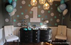 Love these colours. The different shades of blue and black and white and silver work well together and keep in line with Happy Feet theme.