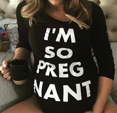 [Maternity Fashion] Practical Advice For Buying Maternity Clothes During Pregnancy Ha yeah My Pregnancy, Pregnancy Outfits, Pregnancy Shirts, Pregnancy Photos, Pregnancy Clothes, Pregnancy Style, Baby Momma, Baby Kind, Maternity Wear