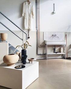 STUDIO NORDHAVEN (@studionordhaven) • Instagram-Fotos und -Videos Studio, Scandinavian, Minimalist Design, Industrial Space, Decor Design, Interior, Home Decor, Furniture