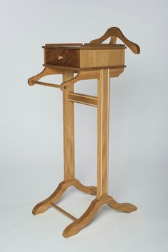 Mens Valet, Valet Stand, Kreg Jig Projects, Woodworking Projects, Wood  Work, Pedestal, Man Suit, Joinery, Men Cave