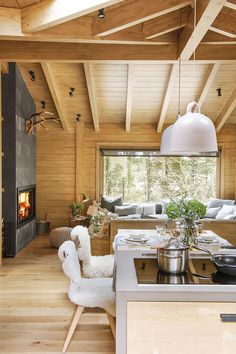 Rustic Living Room Decor Ideas Inspired By Cozy Mountain Cabins Sweet Home, Cabin Kitchens, Cabin Interiors, Scandinavian Interiors, Cabin Homes, House In The Woods, Kitchen Remodel, Kitchen Renovations, Living Room Decor
