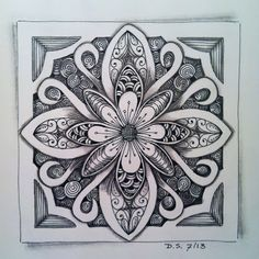 Didisch website: Stencil String DC - the beautiful result beautiful square motif with floral center Doodles Zentangles, Tangle Doodle, Tangle Art, Zentangle Drawings, Zen Doodle, Doodle Drawings, Doodle Art, Doodle Patterns, Zentangle Patterns
