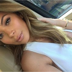 Hair - light brown / blonde