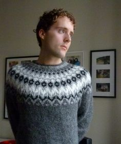 Bilderesultat for islandsgenser herre Fair Isle Knitting Patterns, Knit Patterns, Icelandic Sweaters, Wool Sweaters, Sweater Jacket, Men Sweater, Nordic Sweater, Autumn Winter Fashion, Winter Style