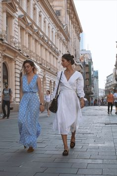 Discover the collections: dresses, skirts, tops, pants and outwear. Spring Is Here, Wrap Dress, White Dress, Street Style, Summer Dresses, Skirts, Fabric, Shopping, Collection