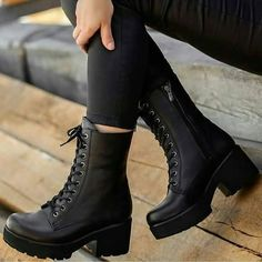 Cute fashion footwear come back some boots ankle high for your dream walk 9 Shoes Boots Combat, Combat Boots Style, Heeled Boots, Ankle Boots, Flat Boots, High Boots, Riding Boots, Pretty Shoes, Beautiful Shoes