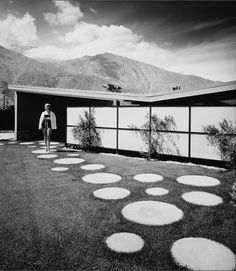 house of architect: William Krisel for Palmer & Krisel (1957) | Location: Palm Springs, CA | photography by Julius Shulman