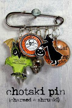 Chotsky pin from Redlead-very cool! Diy Shrink Plastic Jewelry, Resin Jewelry, Handmade Jewelry, Jewlery, Halloween Food Crafts, Halloween Jewelry, Halloween Projects, Halloween Fun, Metal Crafts