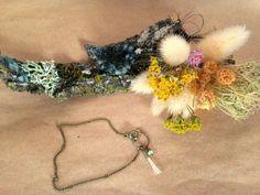 Bracelet bronze pompon crin de cheval blanc via melbandthebird. Click on the…