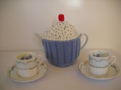Hand Knitted Cupcake Teapot Warmer/Cosy 46 cup by SnugglyCritters, $20.00