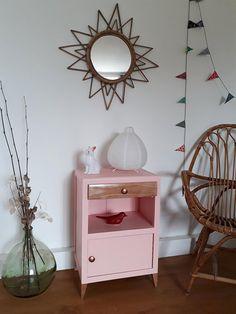 Table de chevet vintage années 30 rose pâle