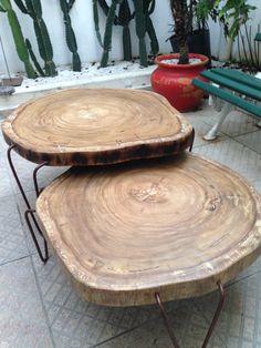 Conjunto de mesas medindo 65 cms de diâmetro cada peça x  e 33 cms e 40 cms de altura respectivamente. Peso aprox: 35 kgs cada Estas peças podem ser comercializadas separadamente ou em conjunto. Pés de aço com acabamento envelhecido e verniz automotivo. Informações : pilotto@terra.com.br
