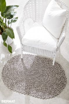 Welcome Home Crochet Rug - Patterns | Yarnspirations