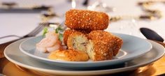 These prawn croquettes are fantastic for a snack or starter for dinner. Visit Fish is the Dish for the recipe. Fish Recipes, Seafood Recipes, Indian Food Recipes, Recipies, Crab And Lobster, Fish And Seafood, Starters For Dinner, Prawn, Shrimp
