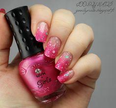 Goodly Nails: Pinkkiä liukua