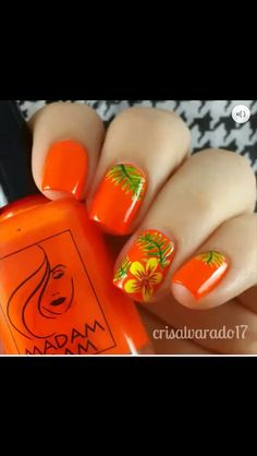 Hawaiian flower nail design Tropical Nail Designs, Tropical Nail Art, Cute Nail Designs, Hawaiian Nail Art, Hawaiian Flower Nails, Hawiian Nails, Cruise Nails, Nail Art For Kids, Summer Toe Nails