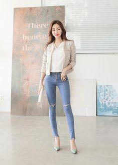 Marc St Pierre's media statistics and analytics Korean Fashion Minimal, Korean Fashion Fall, Korean Fashion Dress, Fall Fashion Outfits, Asian Fashion, Casual Outfits, Womens Fashion, Female Fashion, Office Looks