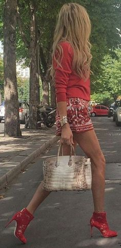 #streetstyle #spring2016 #inspiration  Red Accent Street Style                                                                             Source