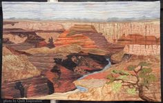Arizona Grand by Wanda Seale.  2015 Arizona Quilters' Guild Show.  Photo by Quilt Inspiration