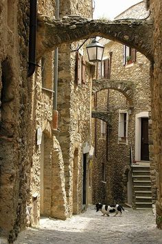 An ancient alley in Castelvecchio ~ Italy