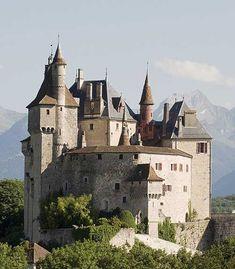 Château de Menthon #hoteisdeluxo #boutiquehotels #hoteisboutique #viagem #viagemdeluxo #travel #luxurytravel