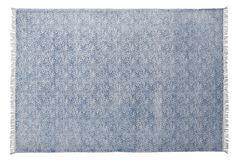 Wendy är en handvävd matta i bomull med frans. Med ett handtryckt diskret paislymönster ger den ett sobert intryck. Varje matta är unik med små skillnader. Endast fackmannamässig tvätt. Carpet, Rugs, Interior, Furniture, Design, Home Decor, Bomull, Mood, Living Room
