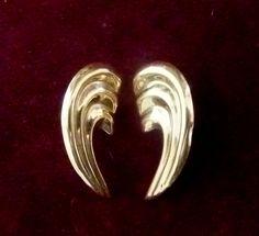 Yellow 14k gold Angel wings earrings,gift for her,Valentine's earrings,vintage earrings by Mammastreasure on Etsy