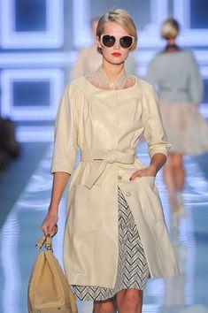 Christian Dior at Paris Fashion Week Spring 2012 - StyleBistro Great hair Lux Fashion, Spring Fashion, Womens Fashion, Fashion Design, Paris Fashion, French Fashion, Cristian Dior, Classy Women, Elegant Woman
