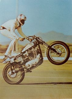 Evel Knievel, if you're gonna be old school, this is not a bad one to copy. Route 66, Evil Kenevil, Scooters, Motos Retro, Vintage Motorcycles, Vintage Bikes, My Childhood Memories, The Good Old Days, Cool Bikes
