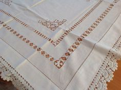 Beautiful Vintage Lace Table Cloth 3 ft Square by Onmykitchentable