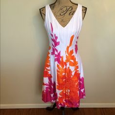 Jones New York orange and pink floral dress   jones New York dress   Size 6  Gently used   white orange pink   Please ask for additional pictures, measurements, or ask questions before purchase.  No trades or other apps  Ships next business day, unless noted in my closet   Bundle for discount Jones New York Dresses