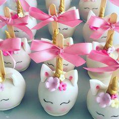 """34 curtidas, 2 comentários - Nhá Dita-Confeitaria Artesanal (@nha_dita) no Instagram: """"Festa Unicórnio  Doces Decorados  #nha_dita #unicornio #festaunicornio #festalinda #docesdecorados…"""""""