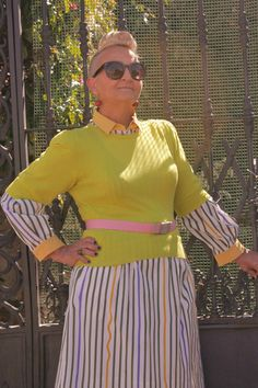 I absolutely love it when women show their awesome personality! // MIS PAPELICOS: Striped Shirt Dress - Neon - Pink &  DIY Cherry  Earrings