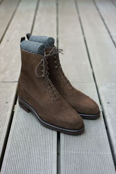 The Best Men's Shoes And Footwear : Carmina Balmoral. Mens Shoes Boots, Sock Shoes, Suede Shoes, Shoe Boots, Dress With Boots, Dress Shoes, Dress Clothes, Gentleman Shoes, Simple Shoes