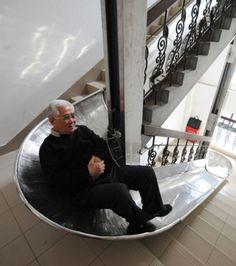 Un escalier-toboggan                                                                                                                                                                                 Plus